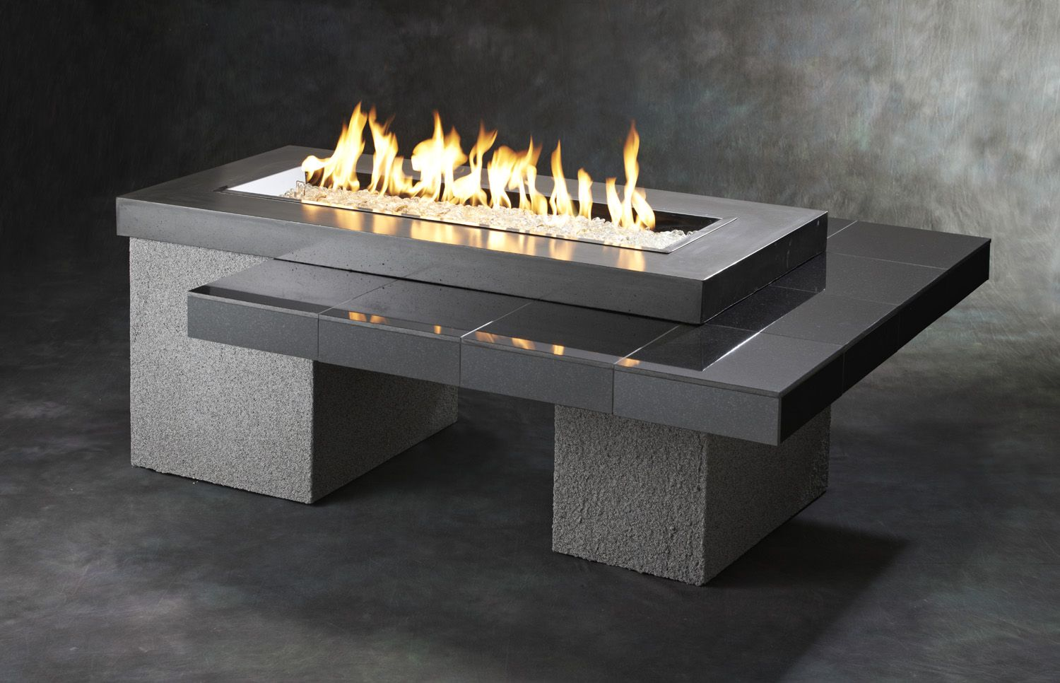 A Modern Linear Fire Pit Table The Uptown 1242 Brings The Cool Outside Gas Fire Pit Table Gas Fire Table Fire Pit Table Modern outdoor fire pit electric