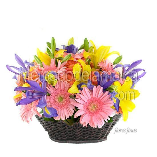 canasta-floral-hermosa-lilies-amarillas