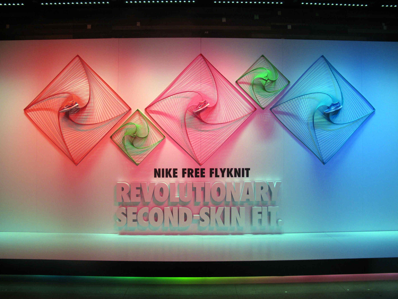 Jajaja Magnético Colapso  Nike, London window display | Window display design, Display design, Window  display