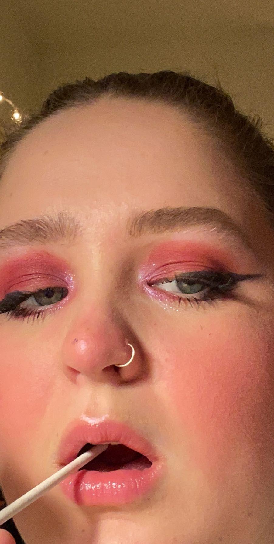 Egirl Makeup In 2020 Thick Eyeliner Nostril Hoop Ring Makeup