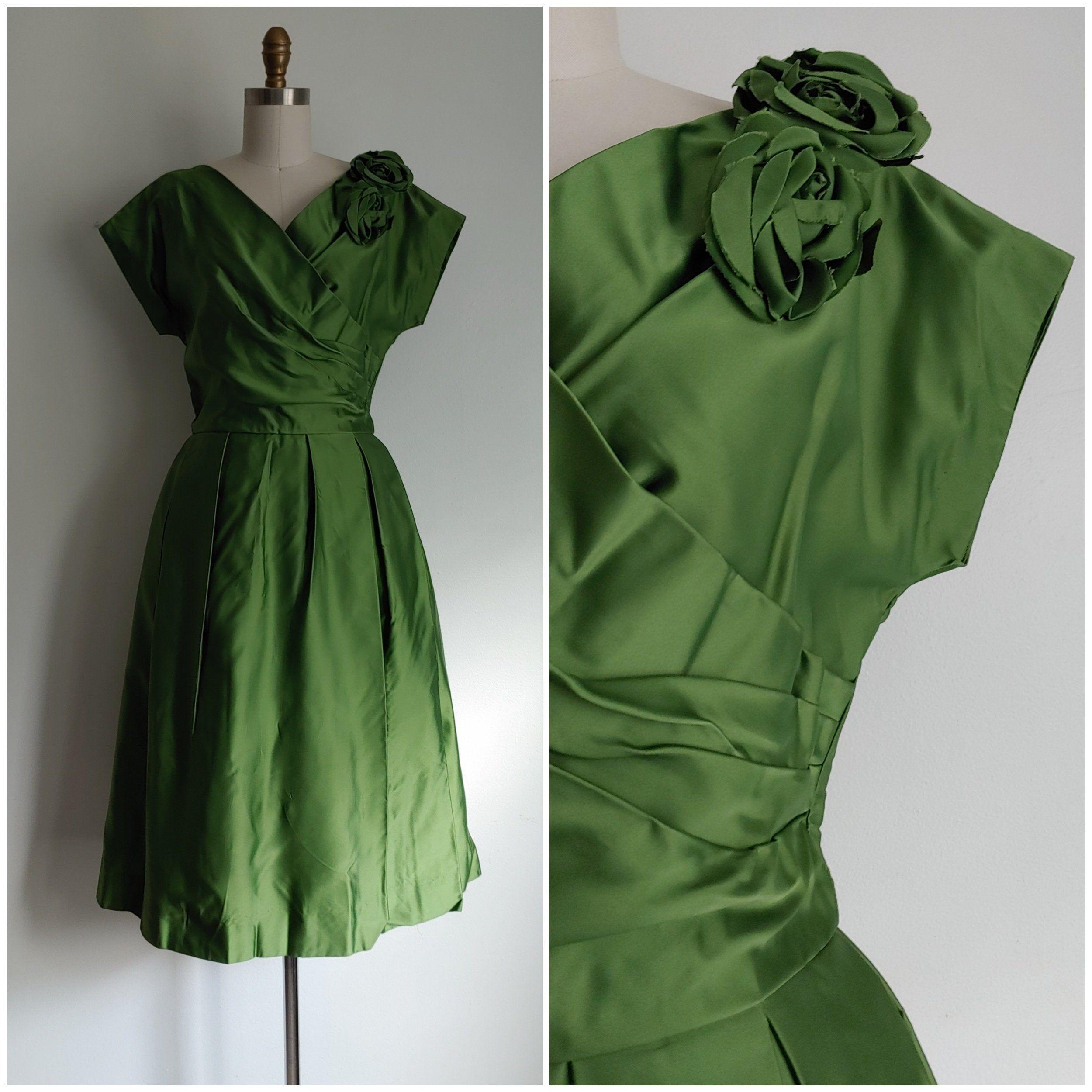 Vintage 1960s Green Formal Cocktail Dress Small Etsy Formal Cocktail Dress Cocktail Evening Dresses Dresses [ 2500 x 2500 Pixel ]