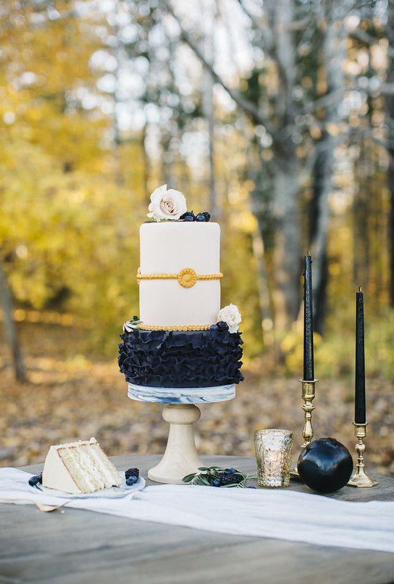 Modern wedding cake | Wedding Cakes & Desserts | Pinterest | Wedding ...