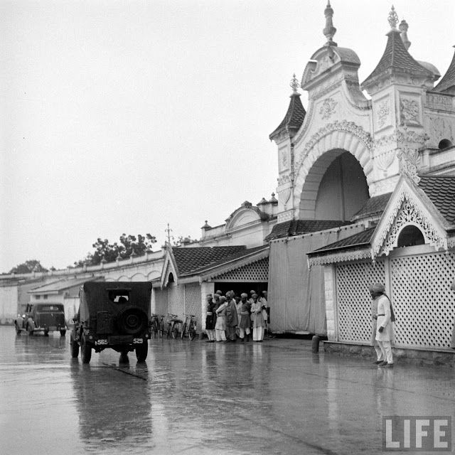 HYDERABAD Once upon a time !: King Koti | Places hyderabad