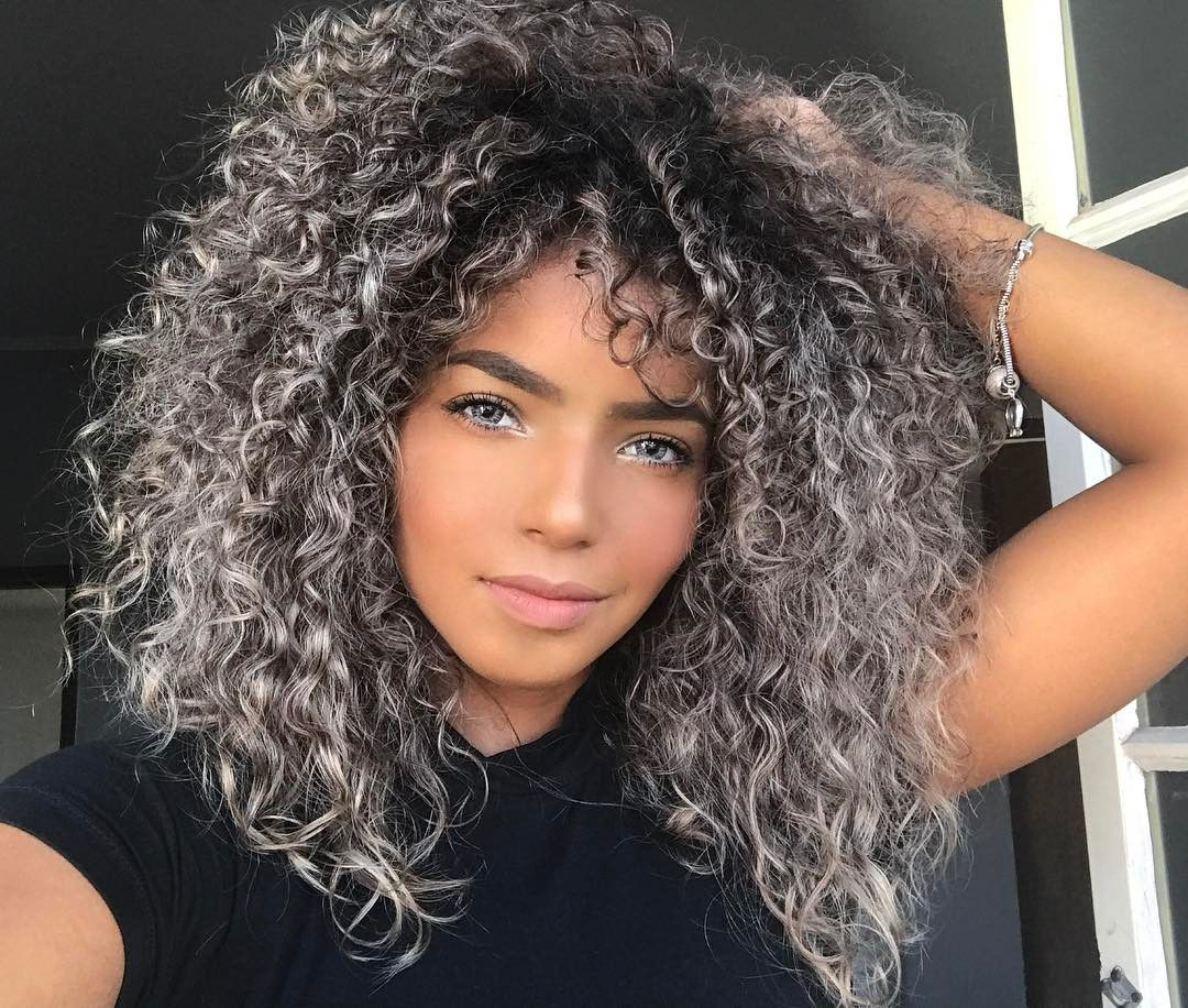 6 463 Curtidas 118 Comentarios Bruna Ramos Brunaramosfe No Instagram Colored Curly Hair Dyed Curly Hair Curly Hair Styles Naturally