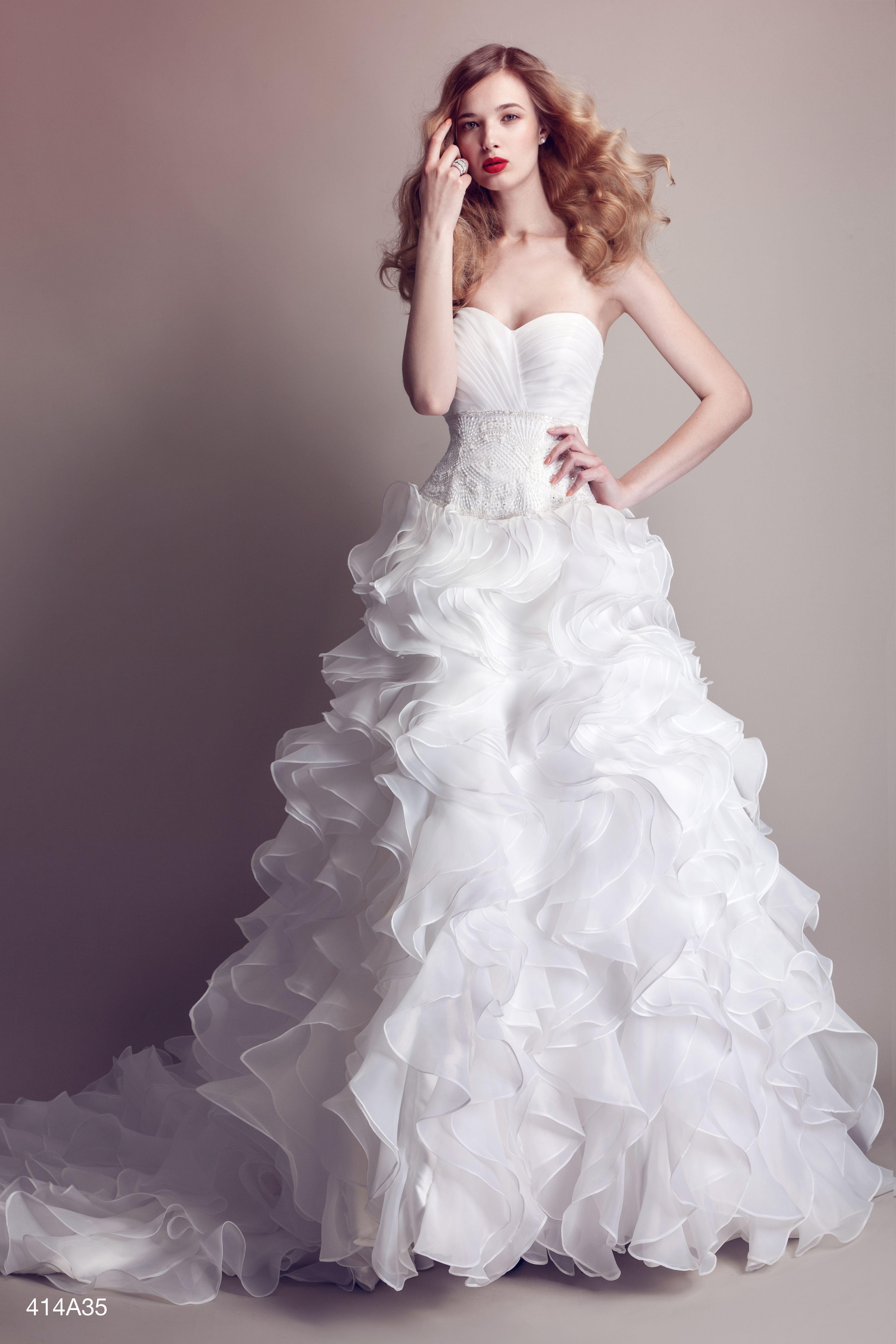 521cc972fe99 PASTORE BRIDAL P E 2014 Originale abito da sposa in organza ...