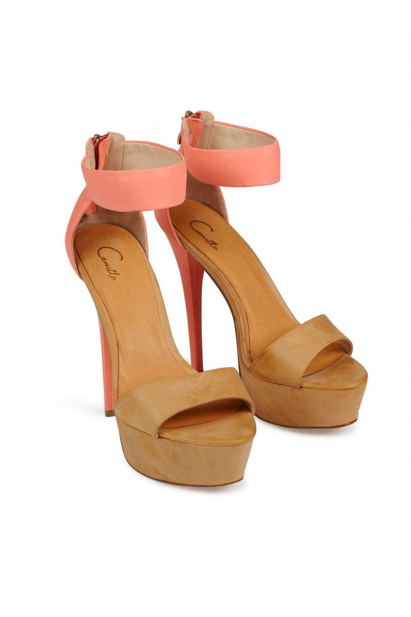 Um hello there stunning shoe