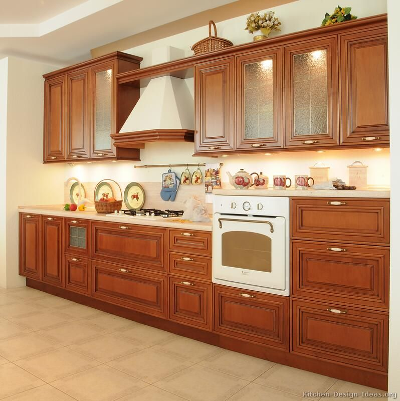 Kitchen Remodel Cherry Cabinets: Traditional Medium Wood-Cherry Kitchen Cabinets #19