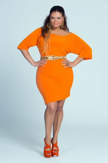Love the color, love the fit, and love the model. I think this is the lovely Christina Mendez but I could be wrong.