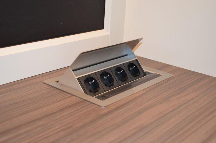 Arbeitsplatte Mit Versenkbaren Steckdosen Genel Steckdosen Kuche Versenkbare Steckdose Badezimmer Aufbewahrung