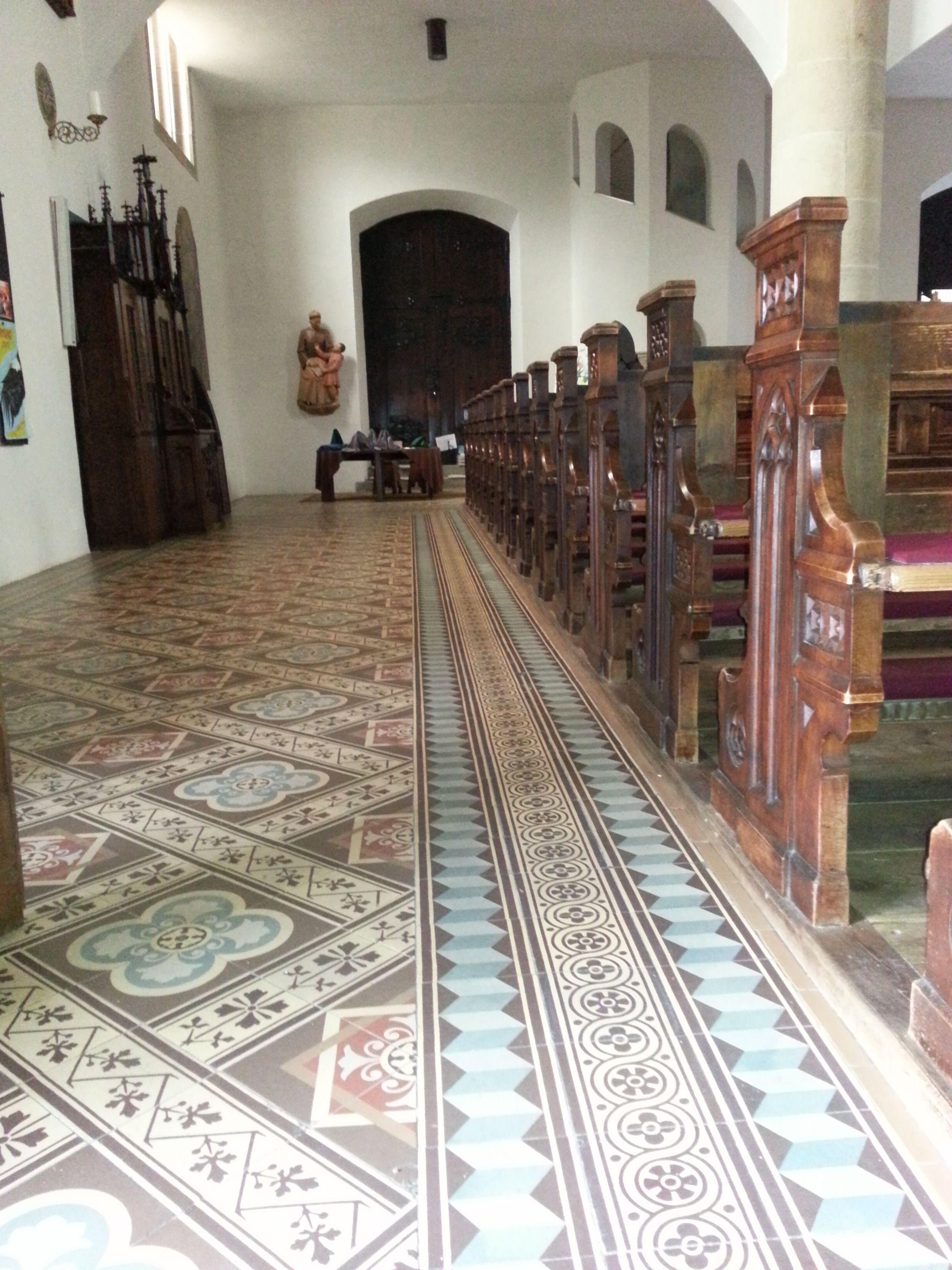 Wunderschöne #Zementfliesen in einer Kirche in Tramin, Südtirol ...