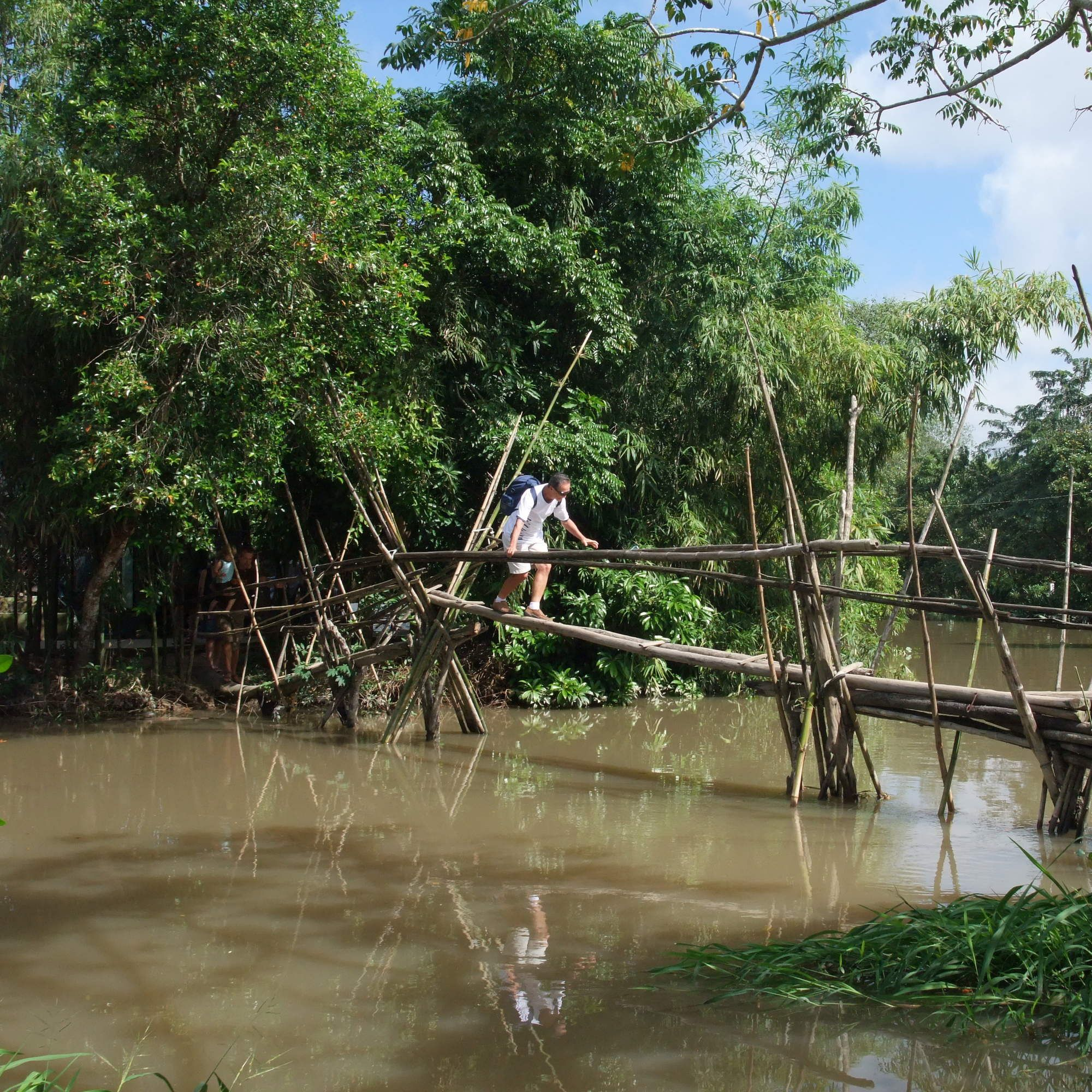 The 10 Most Terrifying Rope Bridges Around The World
