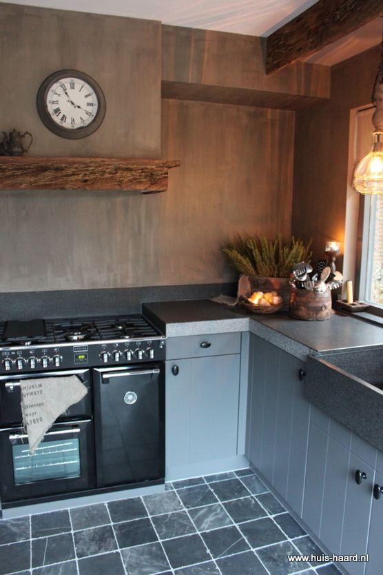Op 1 april jl kregen wij de sleutel van ons nieuwe huis het is een semi bungalow uit de jaren - Fotos van eigentijdse keukens ...