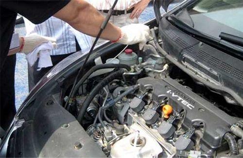 Hướng dẫn cách khắc phục 2 lỗi thường gặp trên xe ô tô cũ