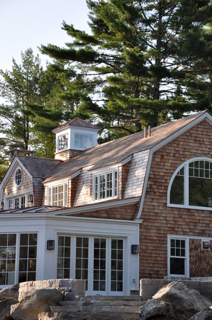 Maine Update 4 Velvet Linen Shingle Style Homes Shingle Style Architecture Colonial House