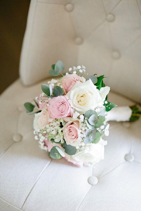 Manoir Des Barrayrous Rose Gold Styled Shoot #rosebridalbouquet