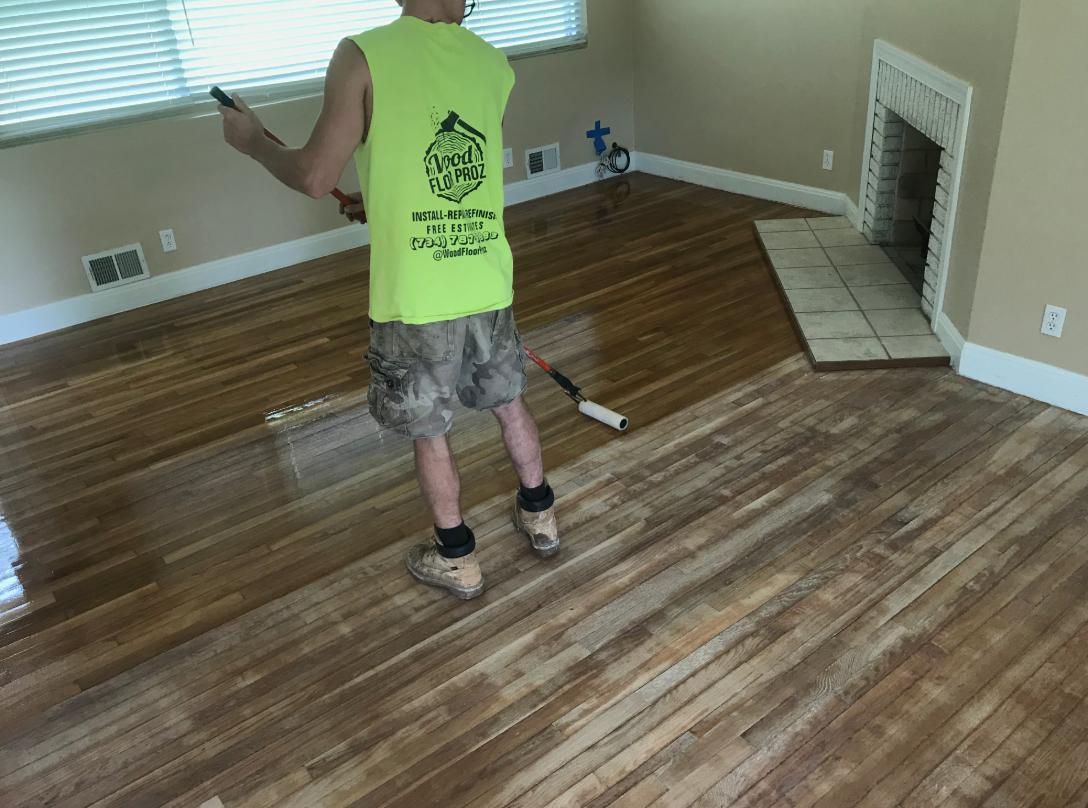 Wood Floor Proz Apply Poly Wood Floor Varnish Wood Floor Repair Refinishing Floors