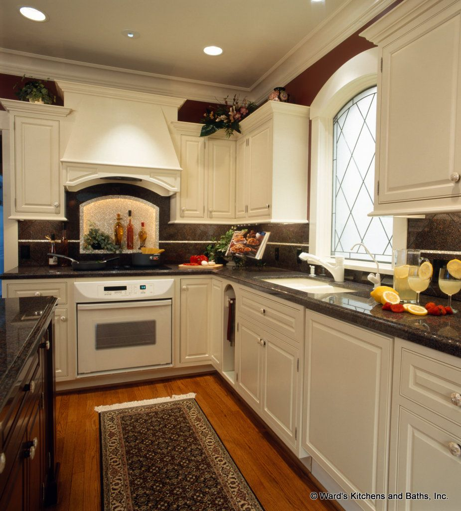 Ward S Kitchens Baths Inc Voted Best Of Omaha Warm Kitchen Colors Maple Kitchen Cabinets Kitchen Cabinets