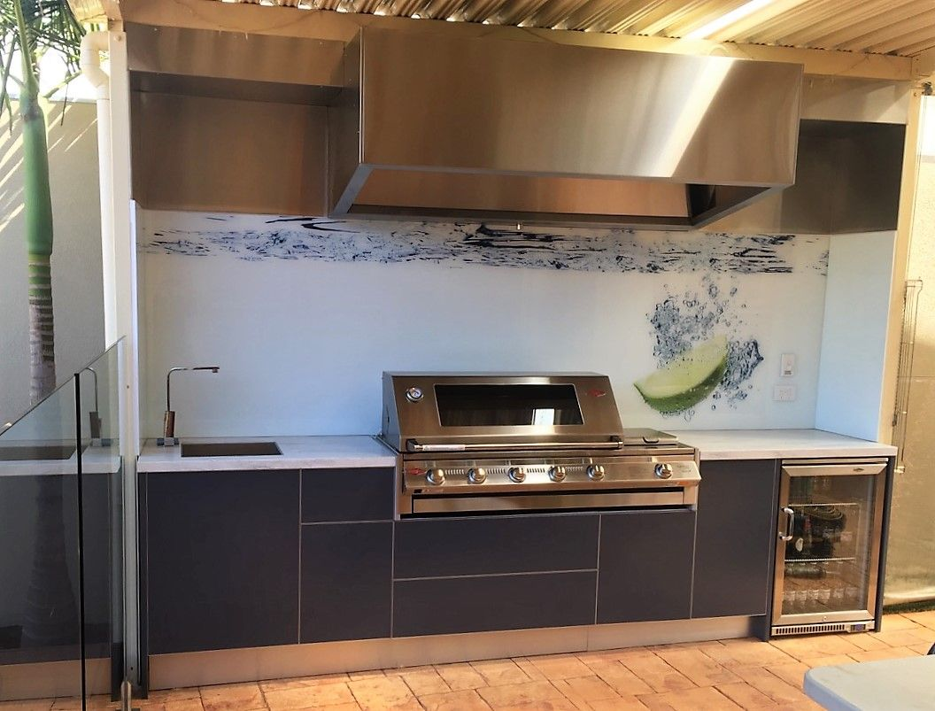 Outdoor kitchen design by LimeTree Alfresco on Beefeater