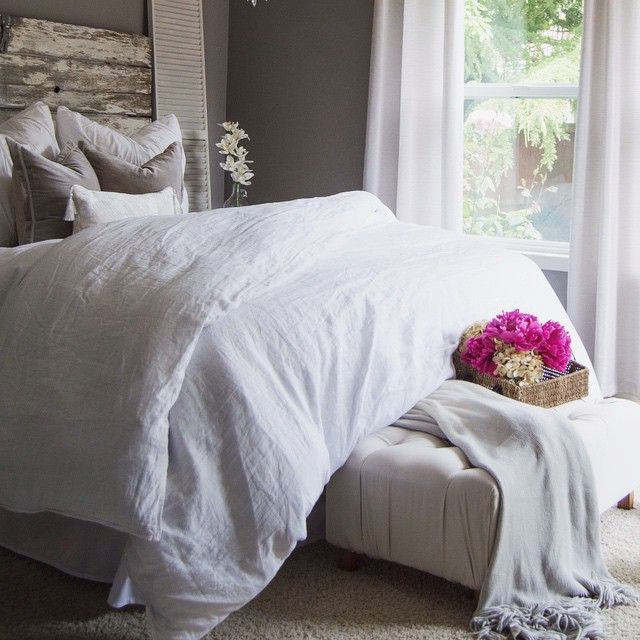 I want the big, fluffy white comforter | White comforter ...