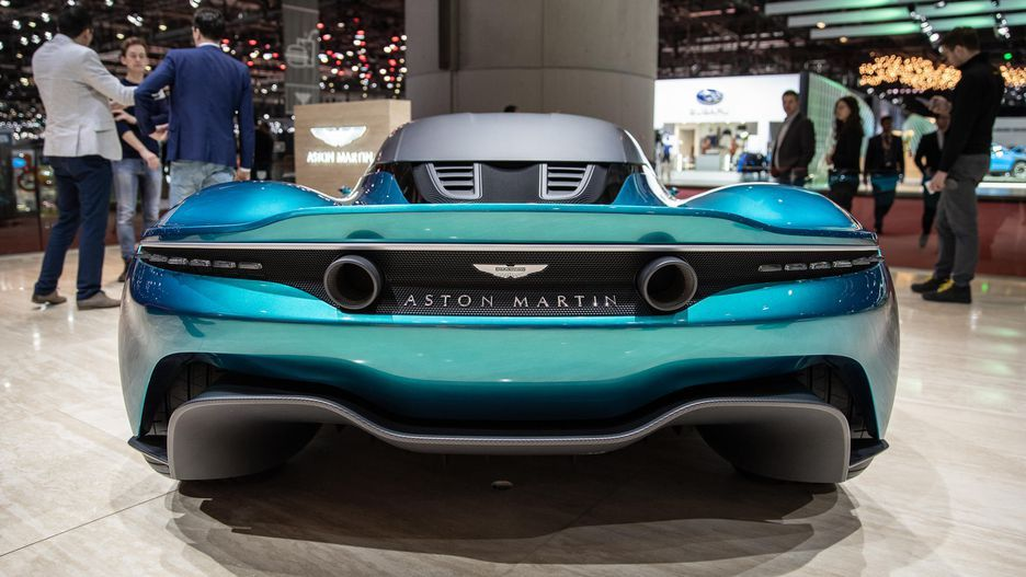 Aston Martin Vanquish Vision Concept is a midengined
