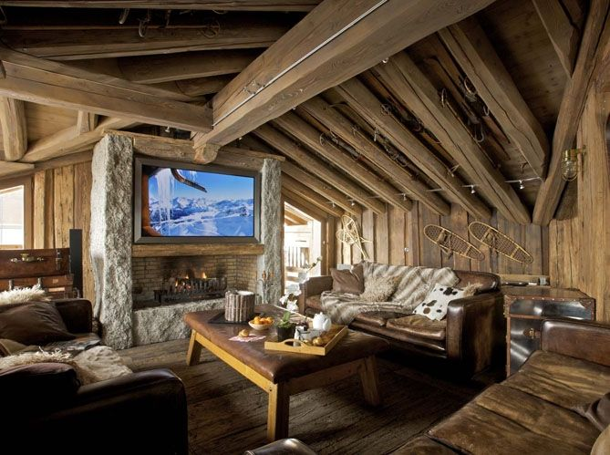 A Very Warm And Cozy Post And Beam Living Room