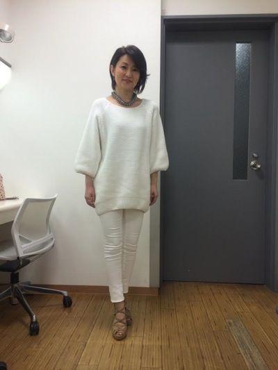 小島奈津子さんは、噂の東京マガジンにてオールホワイトコーデで ご着用下さいました