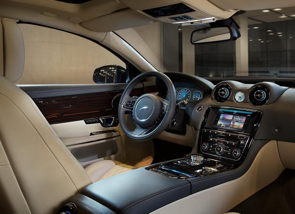 Perfect Luxurious 2017 Jaguar XJ Interior Dashboard With Technology