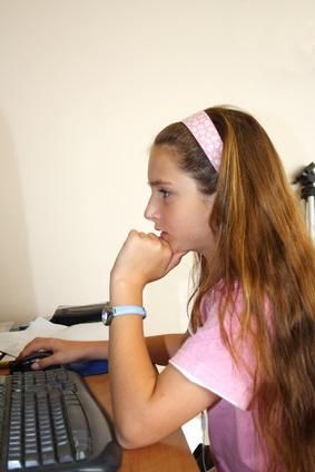 The Importance of Correct Posture at a Desk for Students