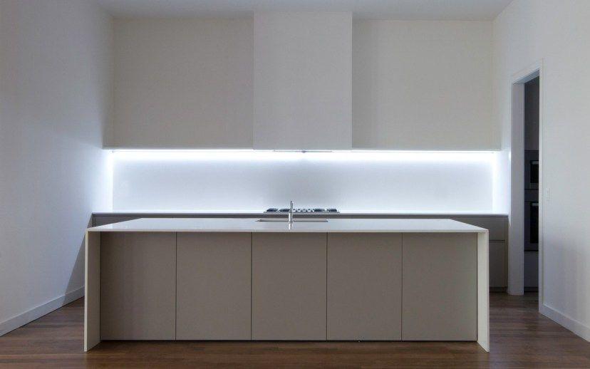 contemporary kitchen led strip lighting ideas home design rh pinterest com