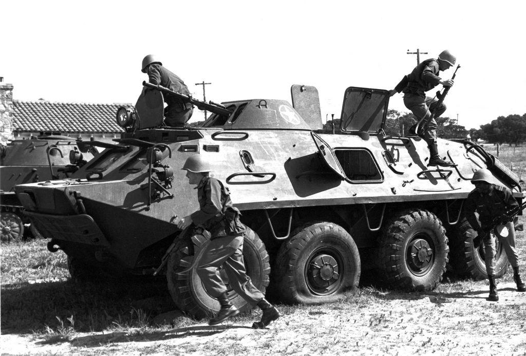 БТР 60-П – плавающий армейский бронетранспортер - http://amsrus.ru/2015/02/04/btr-60-p-plavayushhij-armejskij-bronetransporter/