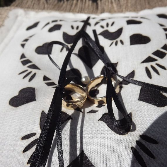 Wedding pillow, made from burlap and silk. A ring bearer pillow with black ribbon to hold both rings securely in place. A burlap ring pillow which is beautifully made, with details to enhance your wedding decor, satin ribbon and freshwater pearls. #wedding #pillow #ringbearer #baloolahbunting #laser