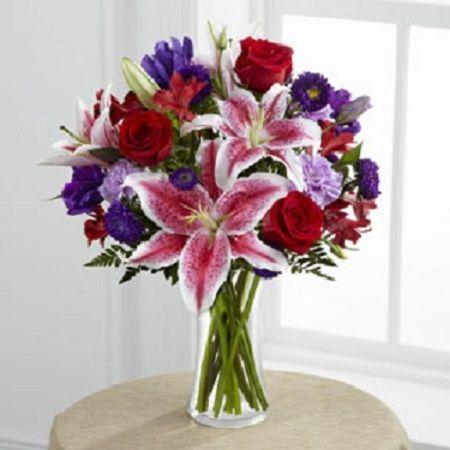 our stuning beauty arrangement www.greenthumbfloralandgifts.com