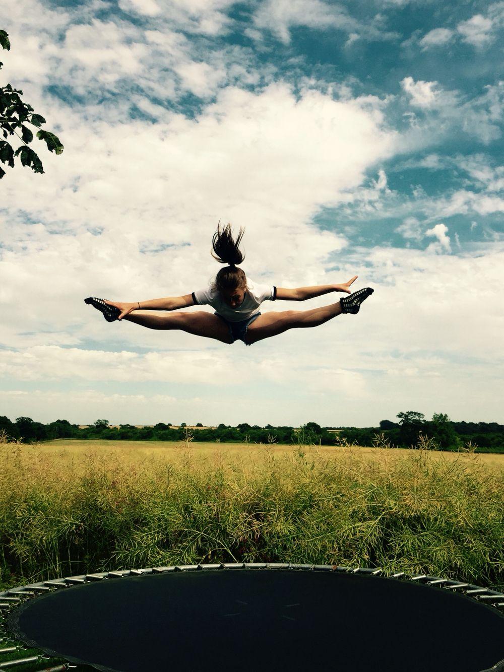 Straddle jump Gymnastics, Trampoline, Pictures