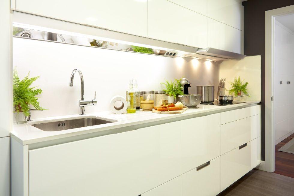 SANTOS kitchen | Proyecto de Decoración de apartamento en Portonovo, Pontevedra, by Kosas de Kasa Interiorismo
