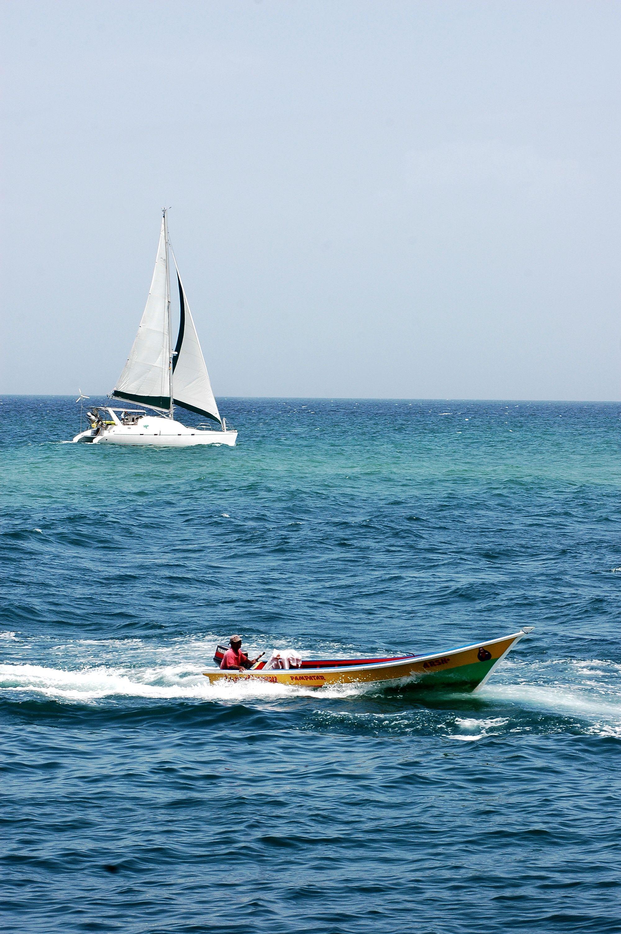 Bahía de inmensa calma donde podrás degustar deliciosos platos a base de pescado #Playa #Venezuela #Gastronomía