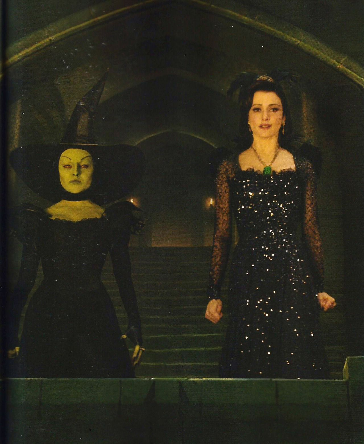 spoiler oz the great and powerful wicked witch of the
