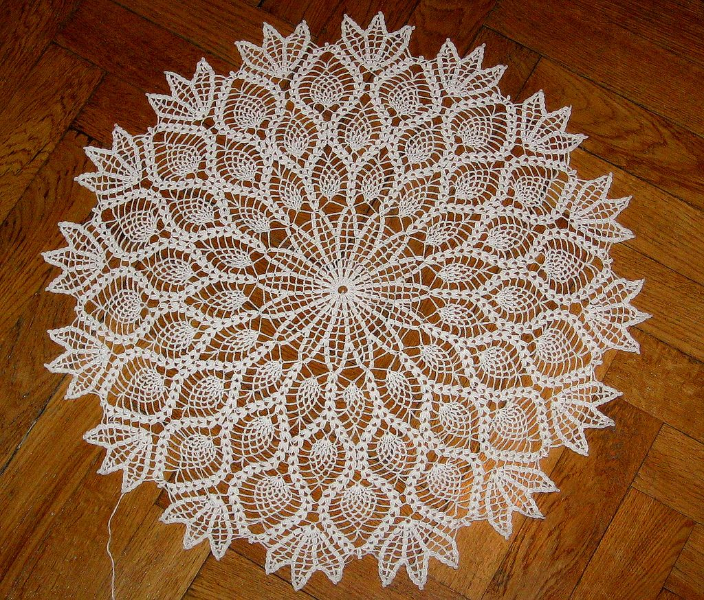 Free Pattern On Ravelry Large Pineapple Doily Pattern By