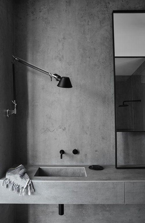 40 White Home Decorations That Always Look Great Beton Dusche Beton Badezimmer Badezimmer Grau
