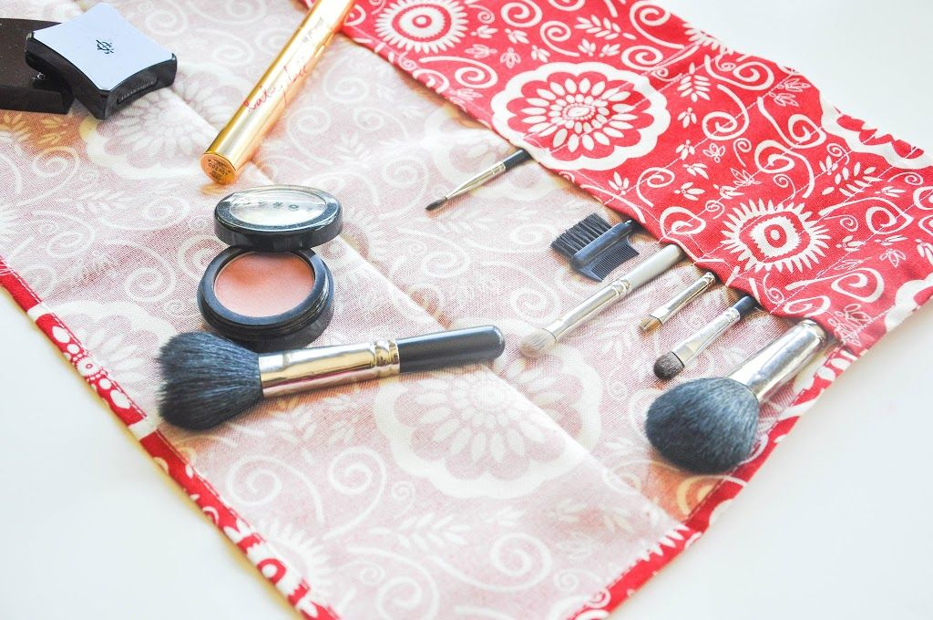 Tutorial Cheater Makeup Brush Roll (With images) Makeup