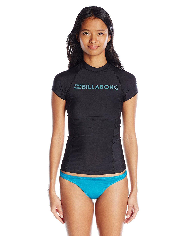 469b8589a7fdc Amazon.com  Billabong Women s Surf Dayz Wetshirt Short Sleeve Rashguard   Clothing