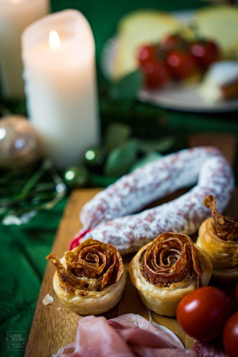 Salami-Blätterteigrosen - Fingerfood für den Adventsbrunch