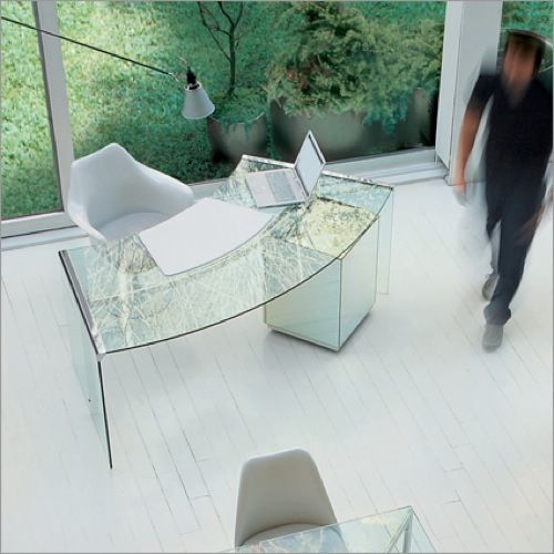 Get To Work 10 Crystal Clear Glass Desks Glass Desk Curved Desk Furniture Design