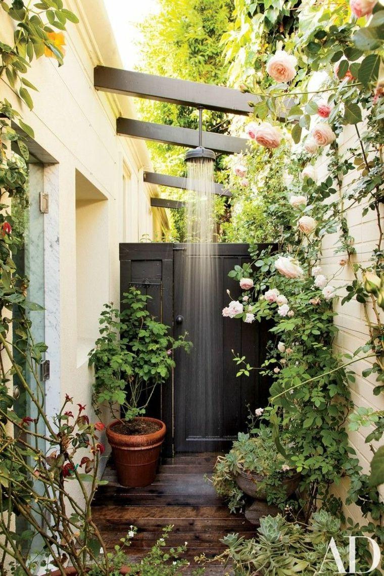 Duchas De Jardin Que Transformaran Tu Patio En Un Verdadero Spa Ducha De Jardin Duchas Al Aire Libre Ducha De Piscina