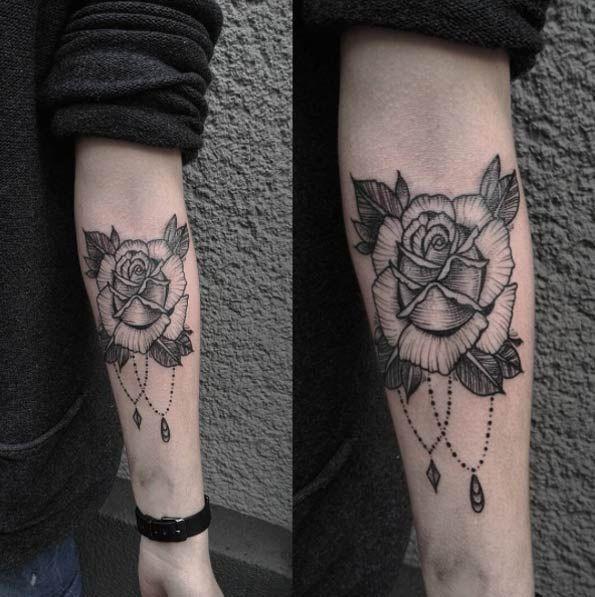 40 Blackwork Rose Tattoos Youll Instantly Love Rose Tattoos