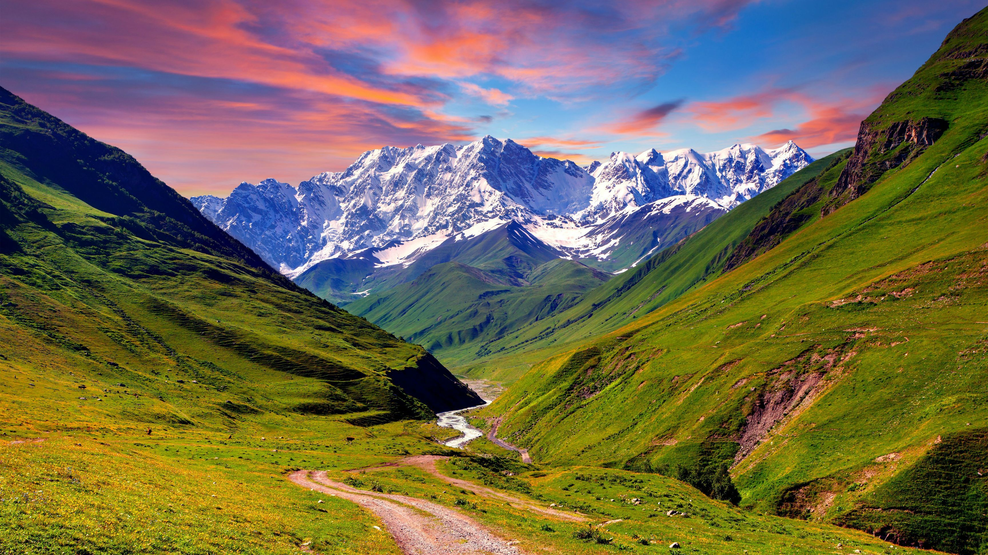 Green Mountains And Lake Trip Scenic Wonders Of The World