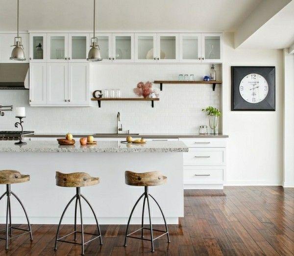 Küchenoberschränke und Regale für minimalistische Einrichtungskonzepte