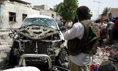 Un oficial del Ejército yemení que dirigía operaciones contra Al Qaeda, el general Salem Qatan, murió ayer en un atentado suicida. Ver más en: http://www.elpopular.com.ec/55126-muere-oficial-en-yemen.html?preview=true
