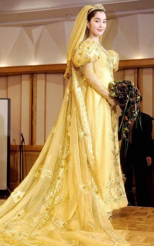 most expensive wedding dress yumi katsuras wedding dress | Lap of ...