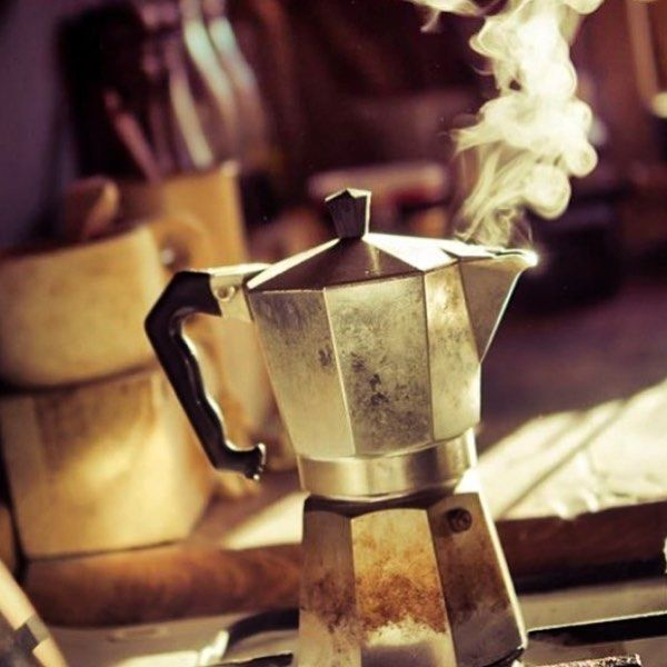 Beauty. #coffee #pop #photooftheday #coffeeart #coffeedate #coffeesesh #coffeeoftheday #instacoffee #steam #photoshoot #photooftheday #photo #cook #sun #sunlight #barista #baristalife #baristaproblems #cafe #caffeine #cappuccino #manmakecoffee #coffee_grindz by the.coffee.grind