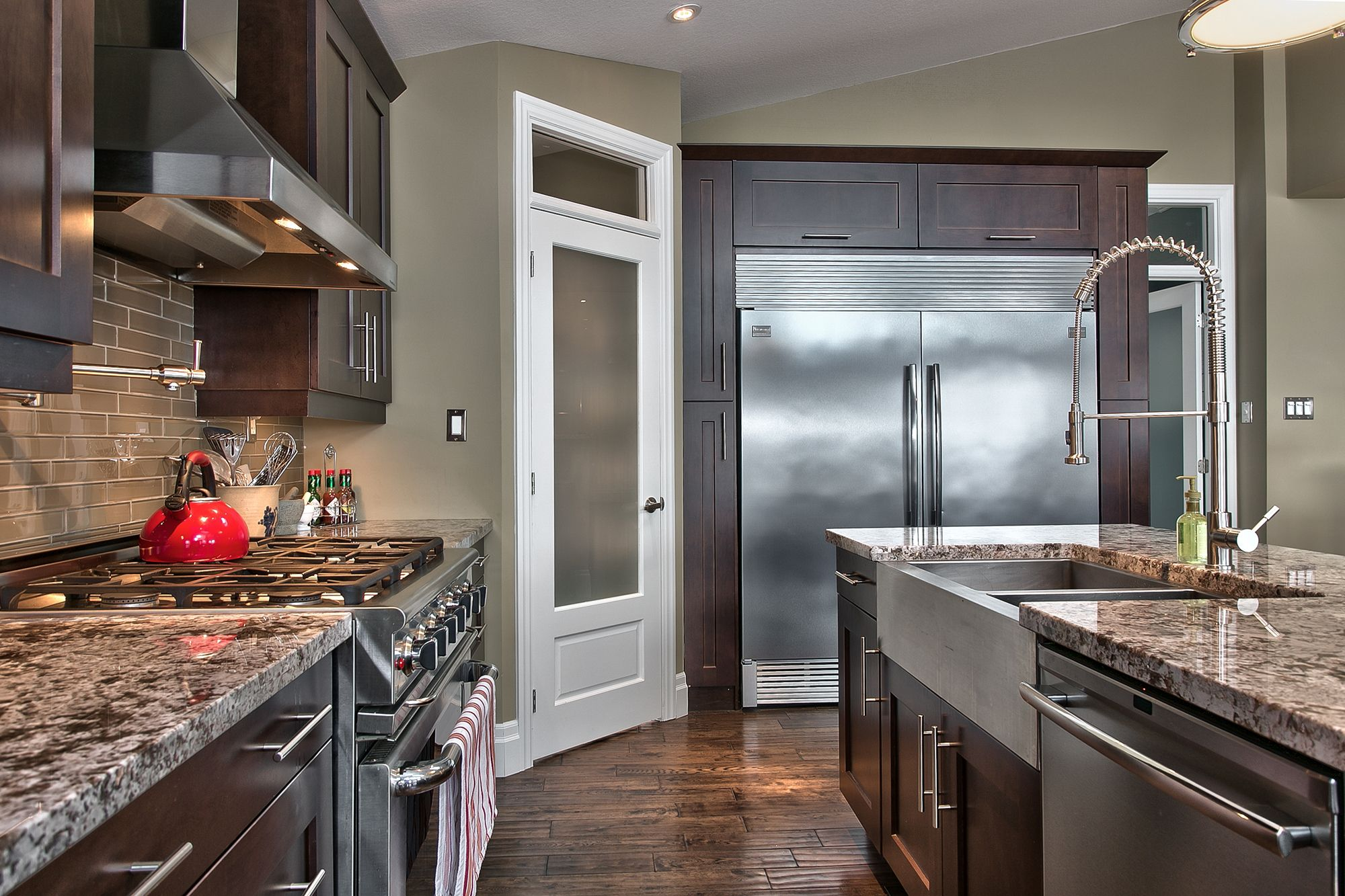 Gourmet open concept kitchen renovation fixtures by for Shaker style kitchen with granite